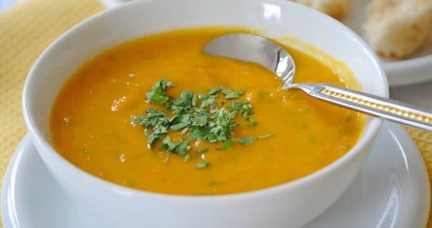 5 Fáceis Receitas de Sopa para Emagrecer!