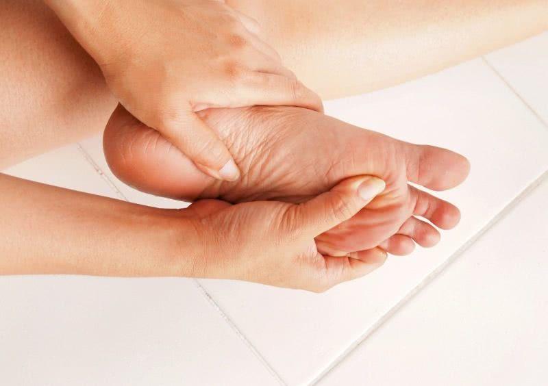 O Que é Fascite Plantar Sintomas E Tratamento